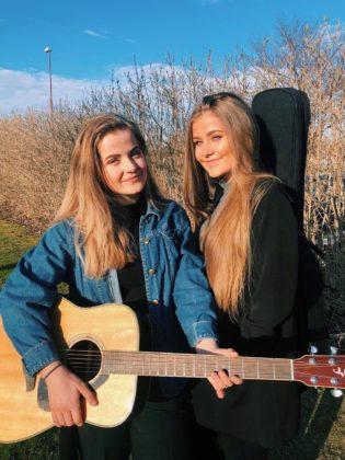 Marthe og Malin Schanche