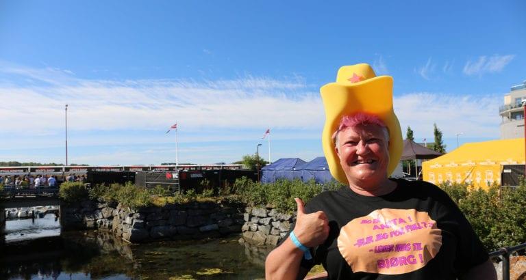 Folkeliv og herlig stemning på Rootsfestivalen i Brønnøysund